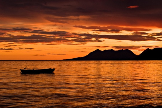 landscape_sunset_rowboat_800.jpg