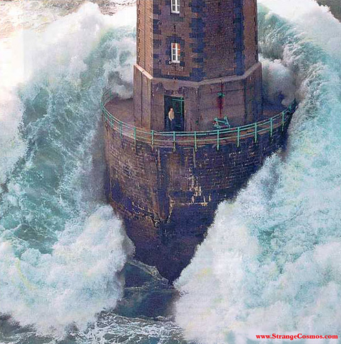 Picture link game. - Page 38 Lighthouse-storm