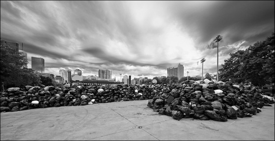 garbage_strike_queen_sherbourne_04_bw